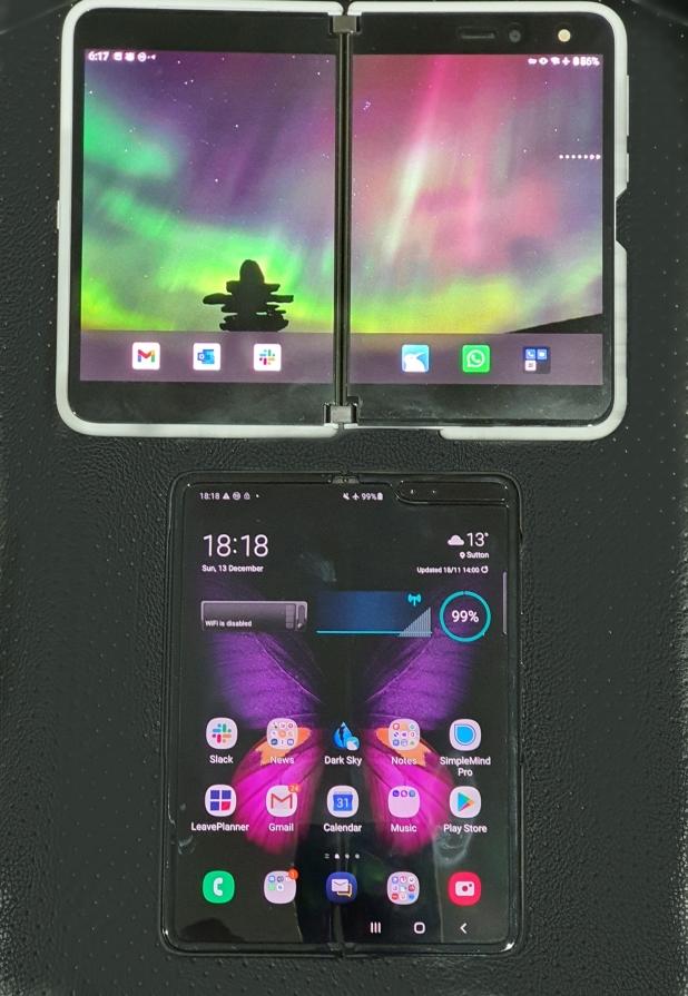 Surface Duo v Galaxy Fold